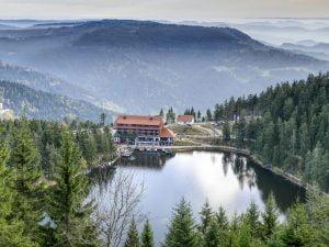 אגם מומלזה